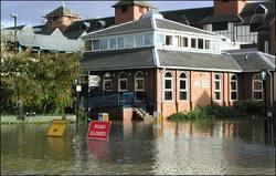 2000_floods_01_470x300